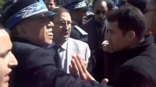 والي أمن أسفي أحمد طوال يلكم و يركل مواطن Chouha Safi Asfi