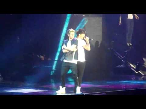 One Direction TMHT Amnville 30/04/13 - She's Not Afraid