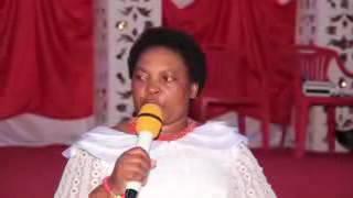 Nyisake chaula akihudumu  katika  kongamano