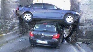 getlinkyoutube.com-Car Crashes, Crazy Drivers & Road Rage   Compilation MAY 2014 #2 part