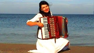 getlinkyoutube.com-WIESŁAWA DUDKOWIAK   with Accordion on Beach 1 , The most beautiful relaxing melody