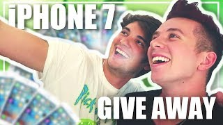 I'M GIVING AWAY THE NEW IPHONE?!?!? ??