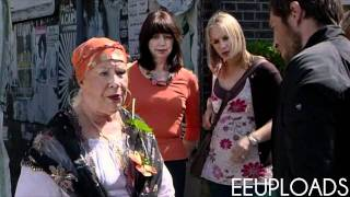 getlinkyoutube.com-Eastenders - Stacey & Chelsea Catfight