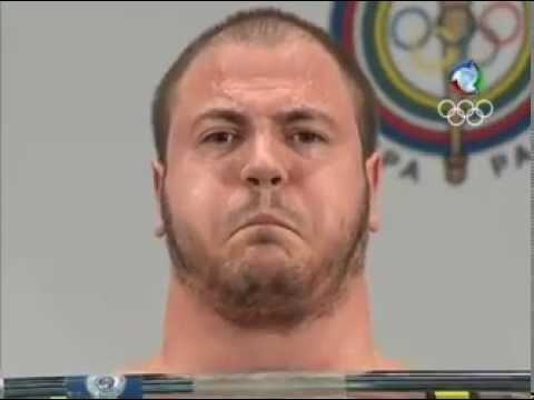 Fernando Reis levantou 410 kg e levou o ouro. Pan 2011