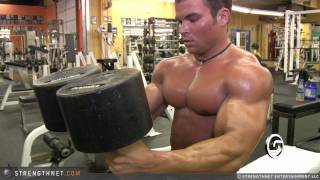 getlinkyoutube.com-Brandon Williams Uses 150lb Dumbbells for Chest Press