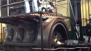 getlinkyoutube.com-Big diesel engine starting