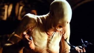 getlinkyoutube.com-映画『パンズ・ラビリンス』 恐怖のPale Man