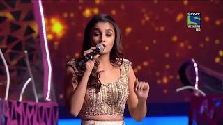 getlinkyoutube.com-Alia Bhatt  Performance at Filmfare 2016