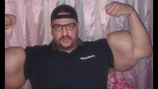 getlinkyoutube.com-synthol man biggest biceps in the world !! - 3ajaib wa gharaib 2017 عجائب وغرائب