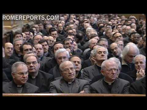 Benedict XVI meets with Roman priests