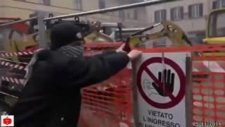 Firenze (Leopolda 7) corteo contro Renzi e la sua politica, scontri con la polizia 05-11-2016