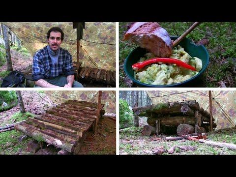 Neues Waldläufer Lager mit zwei Betten gebaut und ein leckeres Abendessen gekocht