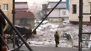 getlinkyoutube.com-釜石市役所付近に押し寄せる津波 【視聴者提供映像】