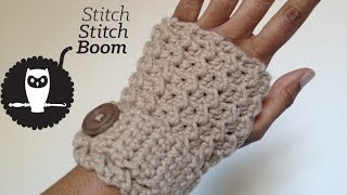 getlinkyoutube.com-Crochet Tutorial: Moss Stitch Fingerless Mittens