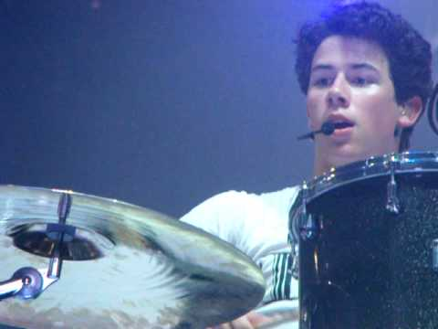 Jonas Brothers World Tour 2009 - Nick Playing Drums, Funniest Thing Ever!* HQ