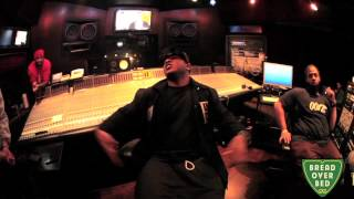 Mack Maine - Break Over Bed Freestyle