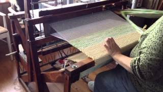 getlinkyoutube.com-The Basics of Rug Weaving on a Union 36 Loom