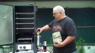 getlinkyoutube.com-Smoke Daddy Vertical Gas Smoker