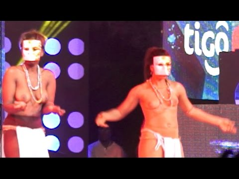Akoo Nana Brings bare breast dancers on stage @ TiGO Music concert