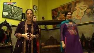 getlinkyoutube.com-باكستان تمنح المتحولين جنسياً حقوق المواطنة