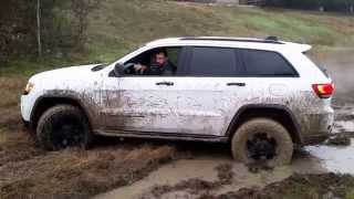 2014 Jeep Grand Cherokee in the mud - WK2 off-roading