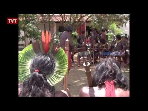 Constituição 25 anos: lei garante direitos dos índios, mas a prática é