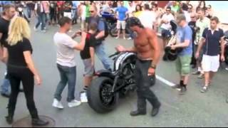 getlinkyoutube.com-Funny Motorcycle Harley V-Rod Crash! - Euro Muscle Man Attempts to Save Face In Front of Audience