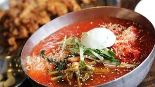 getlinkyoutube.com-South Korea - Street Food Documentary