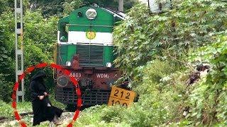 getlinkyoutube.com-DEAF WOMAN ESCAPES DEATH : INDIAN RAILWAYS TRAIN