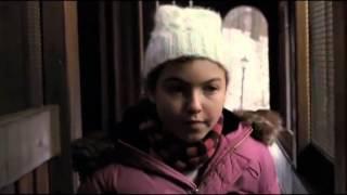 getlinkyoutube.com-La Huérfana- Esther empuja a Brenda (Completo)