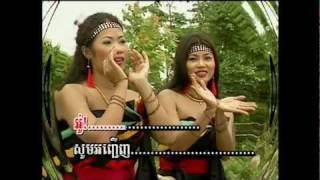 getlinkyoutube.com-Khmer Song-SaRaVan Sliek Khyal DonDob Mek-SreyNich.mp4