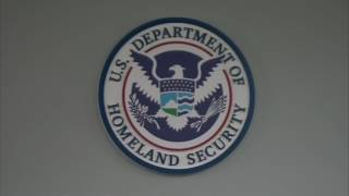 ¿Debería llevar mi green card u otra documentación de inmigración conmigo?