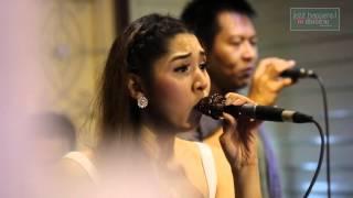 getlinkyoutube.com-ใจเอย ฟางข้าว+สุเมธ [Live @Jazz Happens Chiang rai]