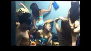 getlinkyoutube.com-harlem shake (FRANKIE`S BAR EDITION)