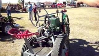 getlinkyoutube.com-hit and miss powered car and trike