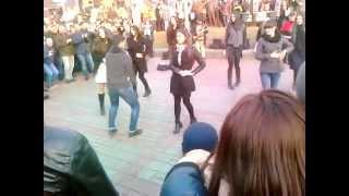getlinkyoutube.com-Грузины танцуют в центре Киева