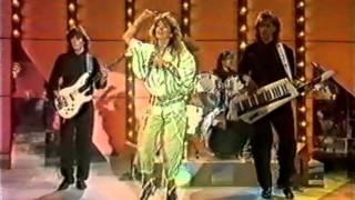 getlinkyoutube.com-SANDRA - Innocent Love (Live Tele-Illustrierte 1986)