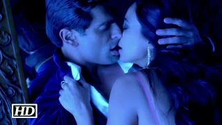 getlinkyoutube.com-Daisy Shah & Karan Love Making Scene | Hate Story 3 | Fans Reaction