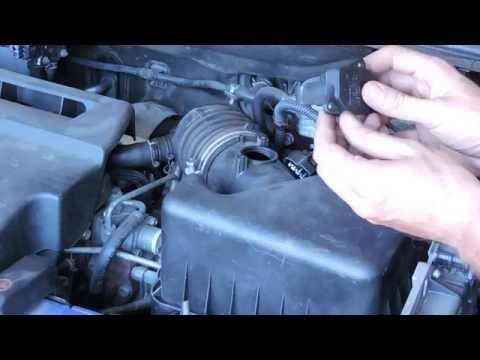 Как почистить датчик воздуха ДМРВ Toyota RAV4 2.2 diesel D-CAT 177 л.с
