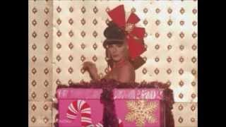 getlinkyoutube.com-All Of Carmen Carrera's Runway Looks