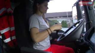 getlinkyoutube.com-Ein Tag im Leben einer LKW Fahrerin - one day with a female Truck Driver