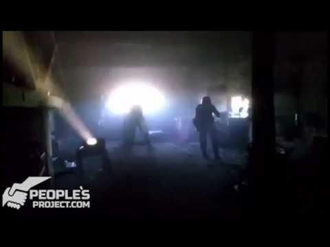 Волонтеры показали начало мощного обстрела «промки» Авдеевки российскими войсками.