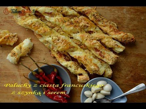 Paluchy z ciasta francuskiego z szynką i serem