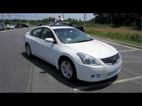 2012 Nissan Altima 3.5 SR Start Up, Exhaust, and In Depth Tour