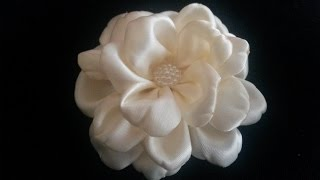 getlinkyoutube.com-Satijnen haarbloem / Satin flower/ Kanzashi