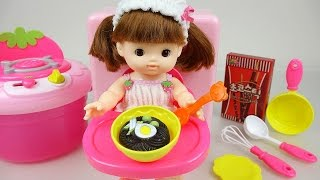 getlinkyoutube.com-Baby doll & cooking food toys 콩순이 와 똘똘이 요리 장난감놀이