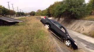 getlinkyoutube.com-Tow Truck Driver Pulls Car Out Of Ditch
