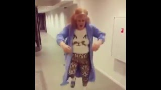 Bathrobe dance in a psychiatric ward!!!