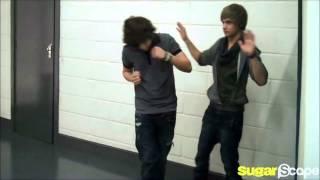 getlinkyoutube.com-One Direction all dance moves :)