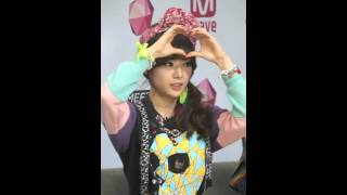 getlinkyoutube.com-150106 MEET&GREET 와썹(WA$$UP) 수진 애교 직캠 by 마녀